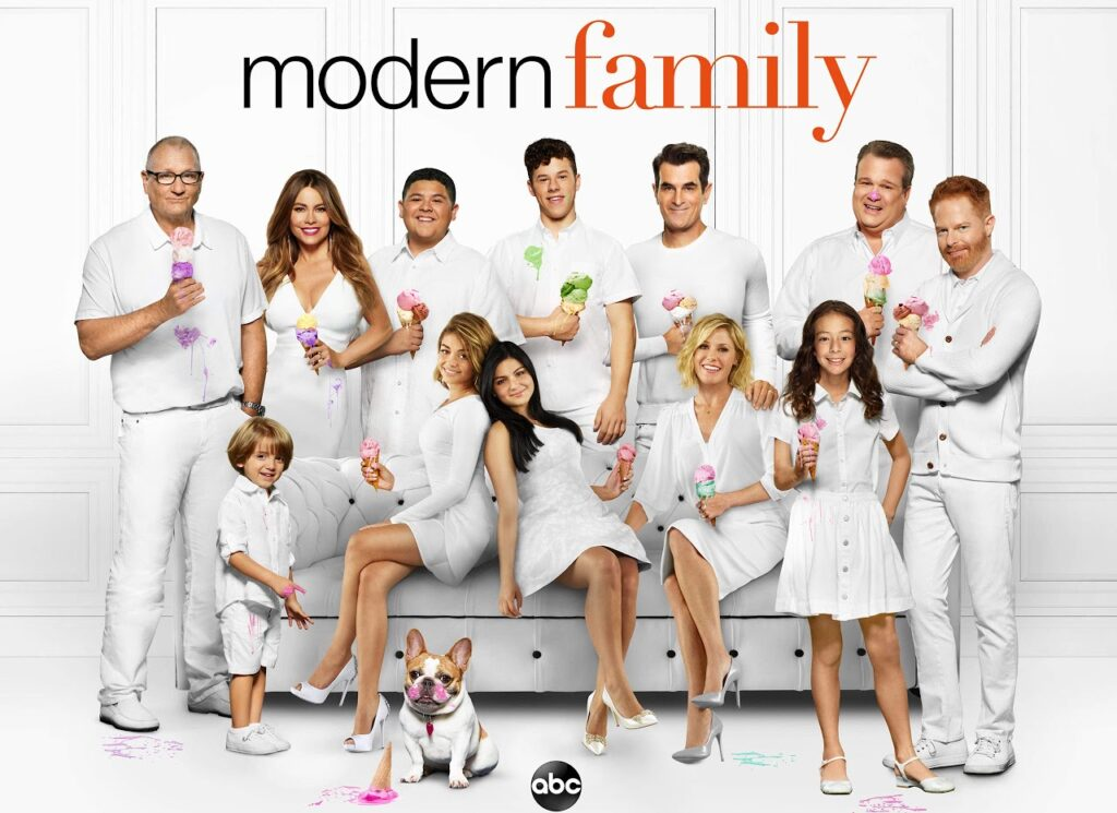 MODERN FAMILY dizi kapak fotoğrafı